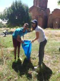 Marmashen: The team went to Marmashen to pick up trash left by visitors to the church and picnickers (13 Aug. 2018)