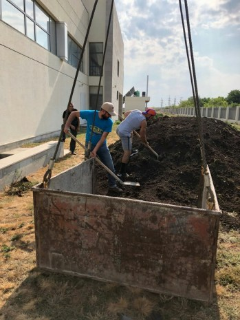 Loading up topsoil for rooftop planters at the Avedissian School in Malatia-Sepastia, Yerevan