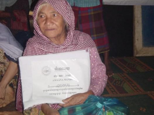 Prayer garment distribution