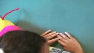 Novinha safada pediu para levar rola e gozou gostoso no pau do amigo
