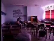 Flagrou a professora dando pro aluno no intervalo da aula
