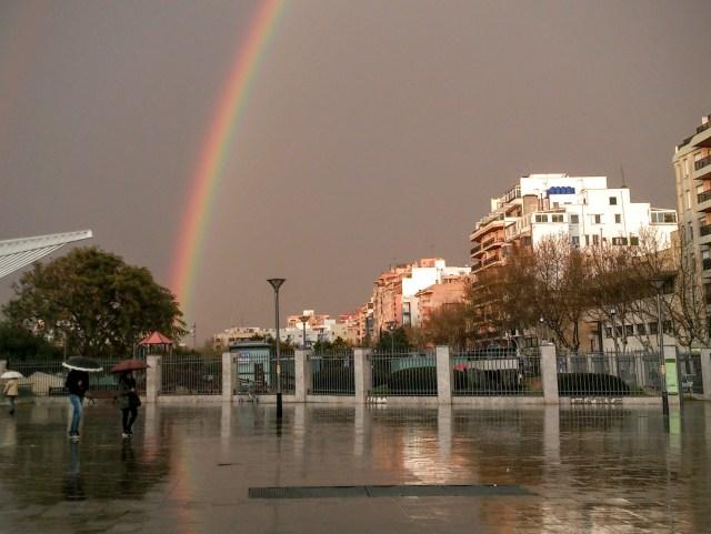 Arcobaleno alla Stazione di Plaza de España - Cosa Fare a Maiorca Quando Piove?