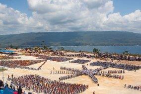 Formasi Bentena Butuni. Bentena berarti benteng, dan Butuni adalah Buton. Kerajaan Buton terkenal dengan kawasan yang memiliki banyak benteng dengan maritim sebagai pusat kekuatan mereka.