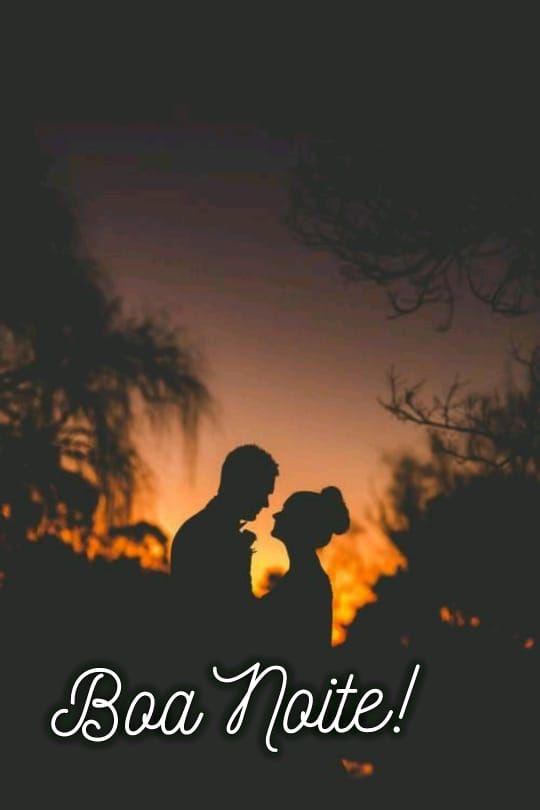 foto de casal ao fim do dia