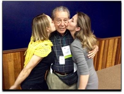Professor Carlini com Juliana Paolinelli e Katiele Fisher, associadas da AMA+ME, no Fórum: Visões interdisciplinares da maconha, (http://www.unicamp.br/unicamp/eventos/2015/06/02/visoes-interdisciplinares-da-maconha) ocorrido em junho de 2015.