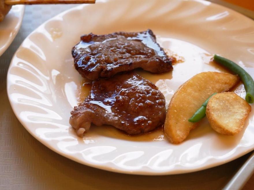 アラモアナガーデン ステーキ2
