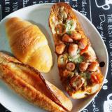 笠岡市「パン&カフェアシェット」明太子フランスが美味しすぎるから1日中食べたい。創作パンもたくさんあるよ