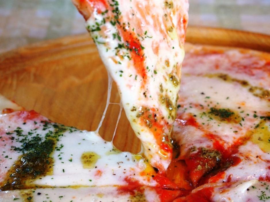 野村町 ほわいとファーム マルゲリータピザ
