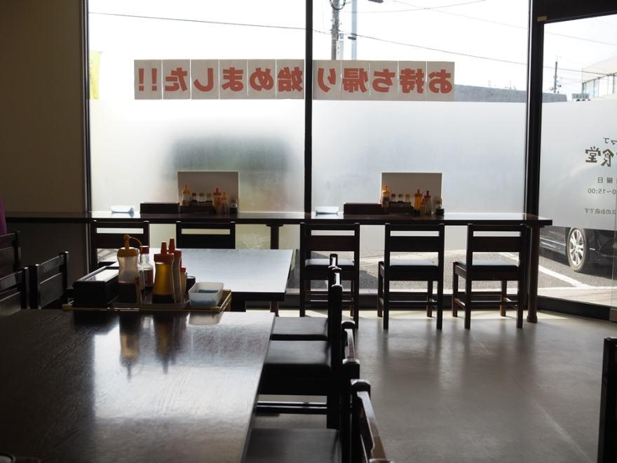 タマコッコ食堂 店内