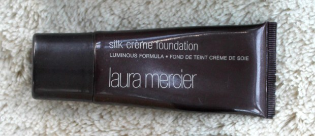 laura-mercier-silk-creme-foundation