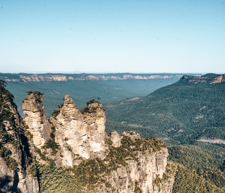 Overlook of Three Sisters rock formation in Blue Mountains