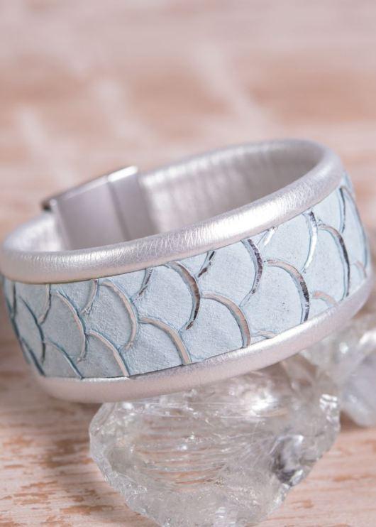 Leather Cuff Bracelet - Thin Light Blue Scale