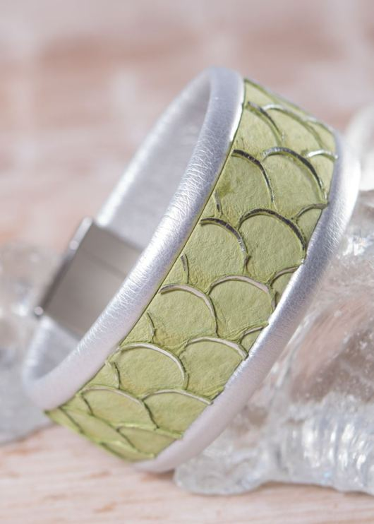 Leather Cuff Bracelet - Thin Green Scale