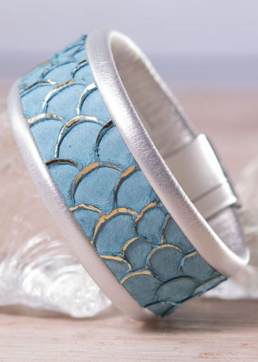 Leather Cuff Bracelet - Thin Blue Scale