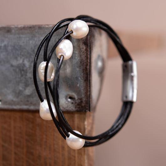 Floating Pearl Leather Bracelet - Black