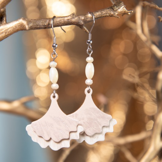 Ginko Leaf Leather Earrings - Ivory