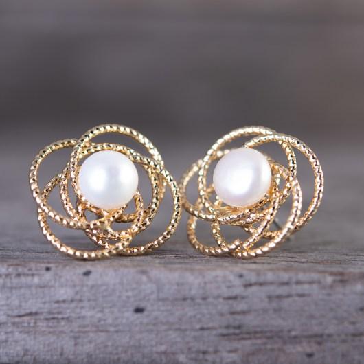 Flower Pearl Stud Earrings - Gold