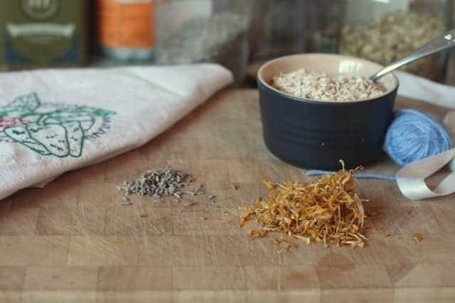 oatmeal bath ingredients