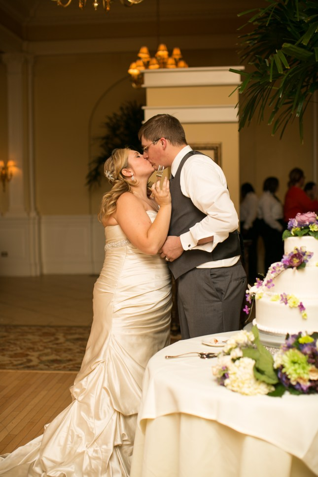 beth-evan-chamberlain-hotel-purple-wedding-678
