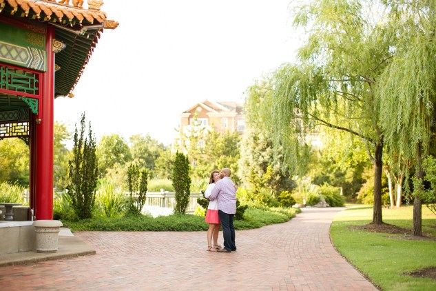 betsy-webster-pagoda-waterside-engagements-1