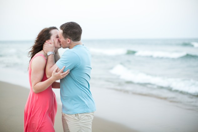 jessica-gary-virginia-beach-oceanfront-engagements-154