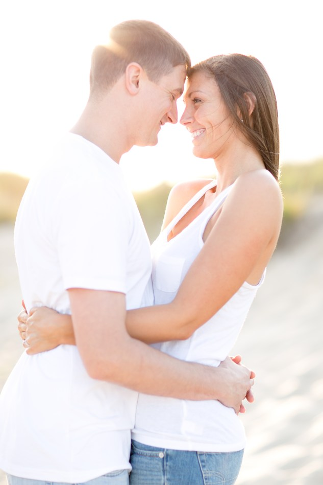 pink-blue-beach-engagement-photo-3