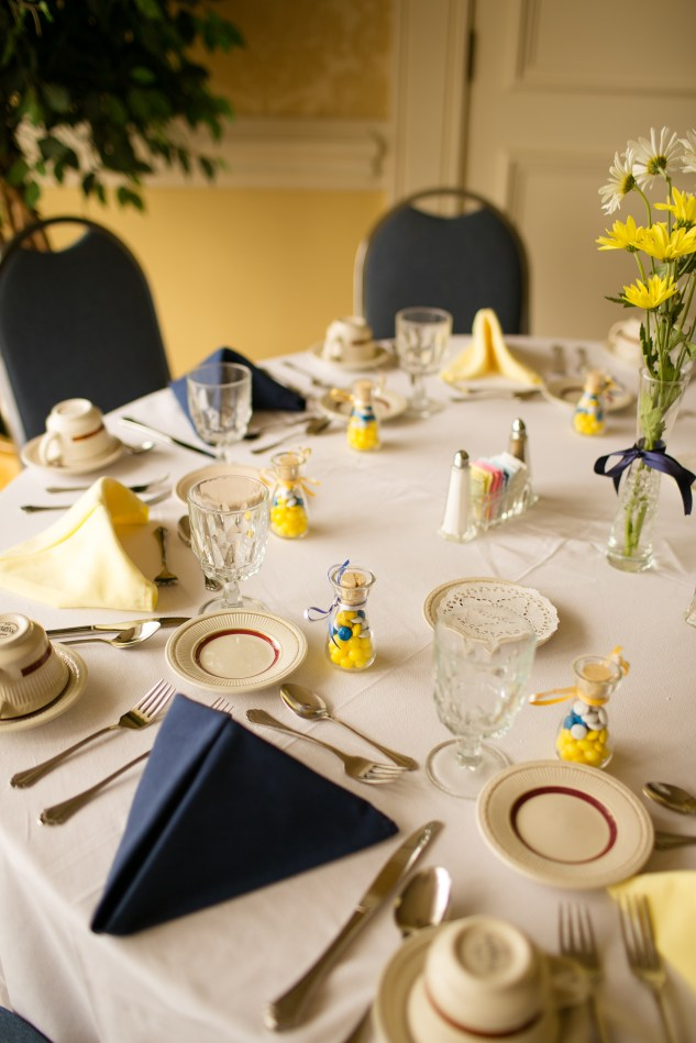 navy-yellow-yacht-club-wedding-norfolk-1
