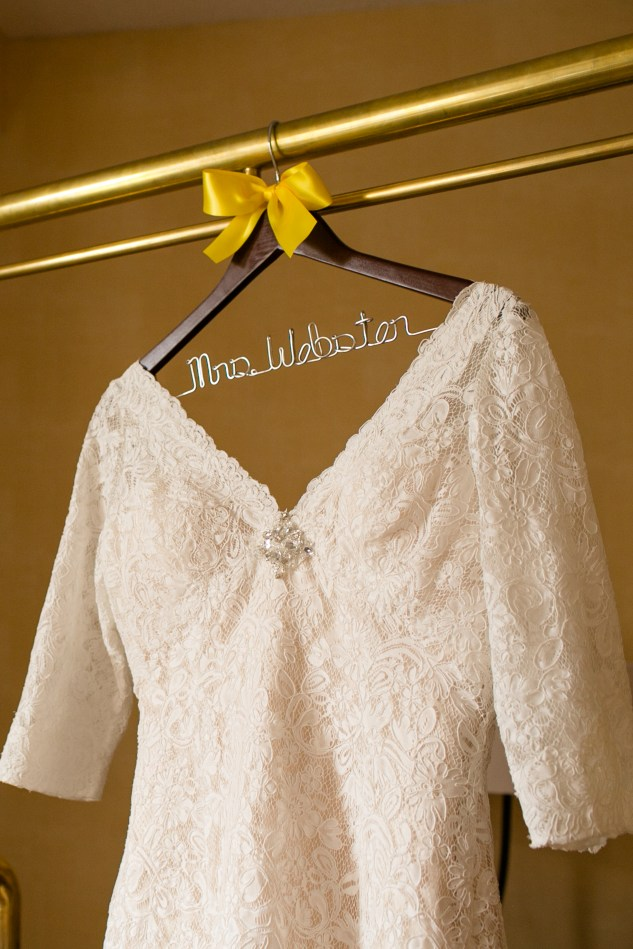 navy-yellow-yacht-club-wedding-norfolk-14