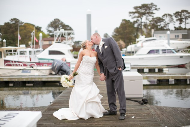 pink-aqua-virginia-beach-yacht-club-marina-shores-wedding-photographer-615