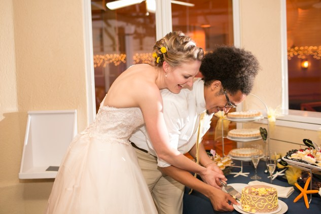 yellow-red-coastal-lesner-inn-wedding-virginia-beach-141