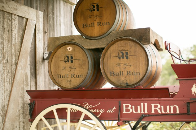 winery-bull-run-wedding-red-grey-photo-51