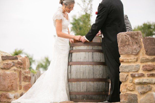 winery-bull-run-wedding-red-grey-photo-82