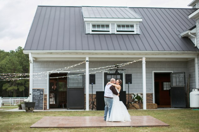 virginia-southern-fall-farm-wedding-photo-118