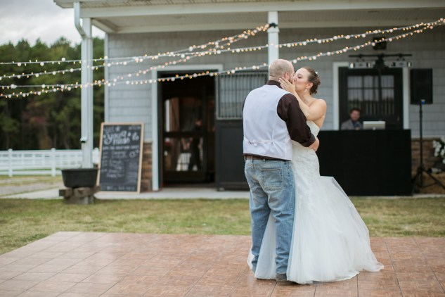 virginia-southern-fall-farm-wedding-photo-121