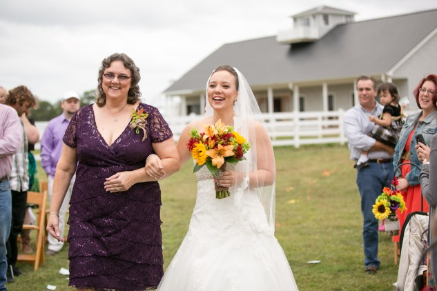 virginia-southern-fall-farm-wedding-photo-59