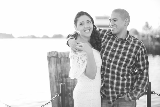 norfolk-engagement-photo-waterside-amanda-hedgepeth-33