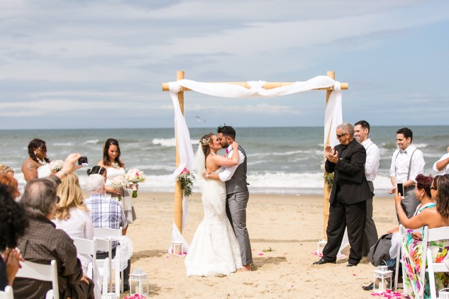jennettes-pier-nags-head-obx-outer-banks-wedding-photo-amanda-hedgepeth-68