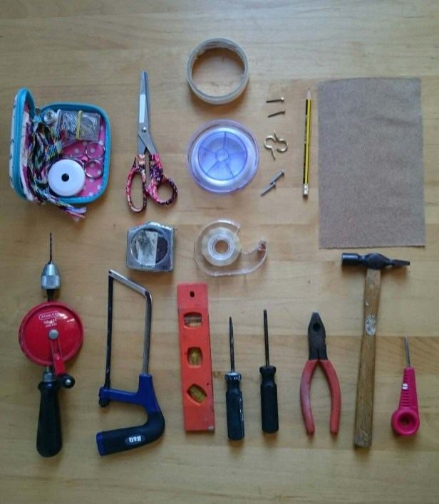 putting up a textile exhibition toolkit