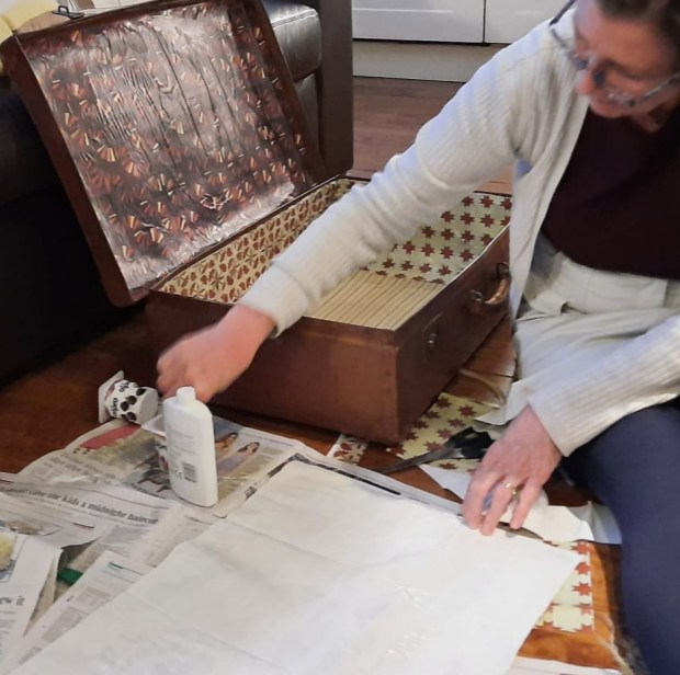 Making a new paper lining for a vintage case