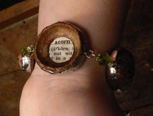 Wrist acorn