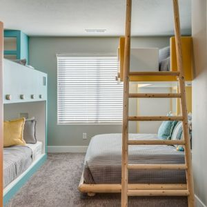 Queen Bunk Bed in Shared Room