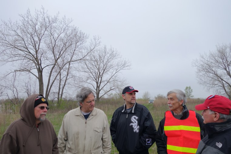 Fieldwalk with local conservationists, Calumet Lake, Chicago, IL