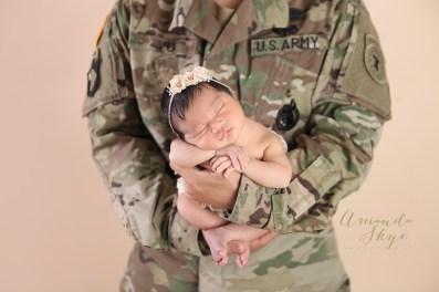 Amanda Skye photography, newborn photography, OC newborn photographer, Orange County newborn photography, dad with newborn photography, army newborn photography, military newborn photography