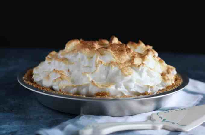 S'mores Pie with Graham Cracker Crust