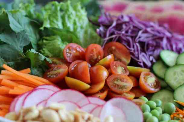 vietnamese salad with peanut dressing