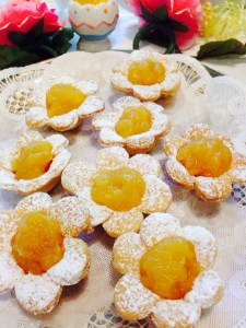 Flower tarts, made with love