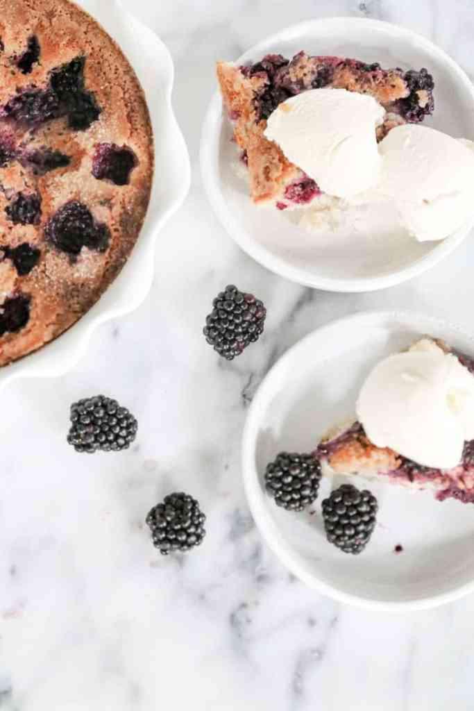 blackberry cobbler with ice cream