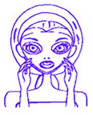 femme en plein soin du visage