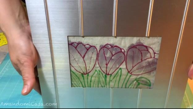 Arte imprimiendo flores en tela