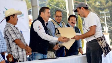 Photo of Entregan apoyos a productores ganaderos de San Joaquín